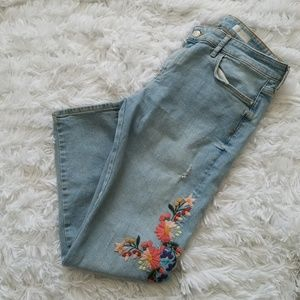 Anthro Pilcro Light Wash Floral Embroidered Jean
